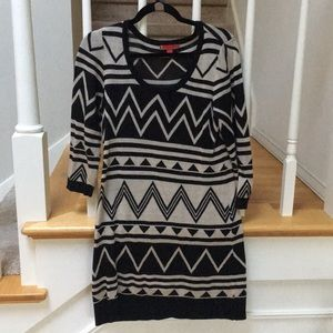 Graphic Print Sweater Dress